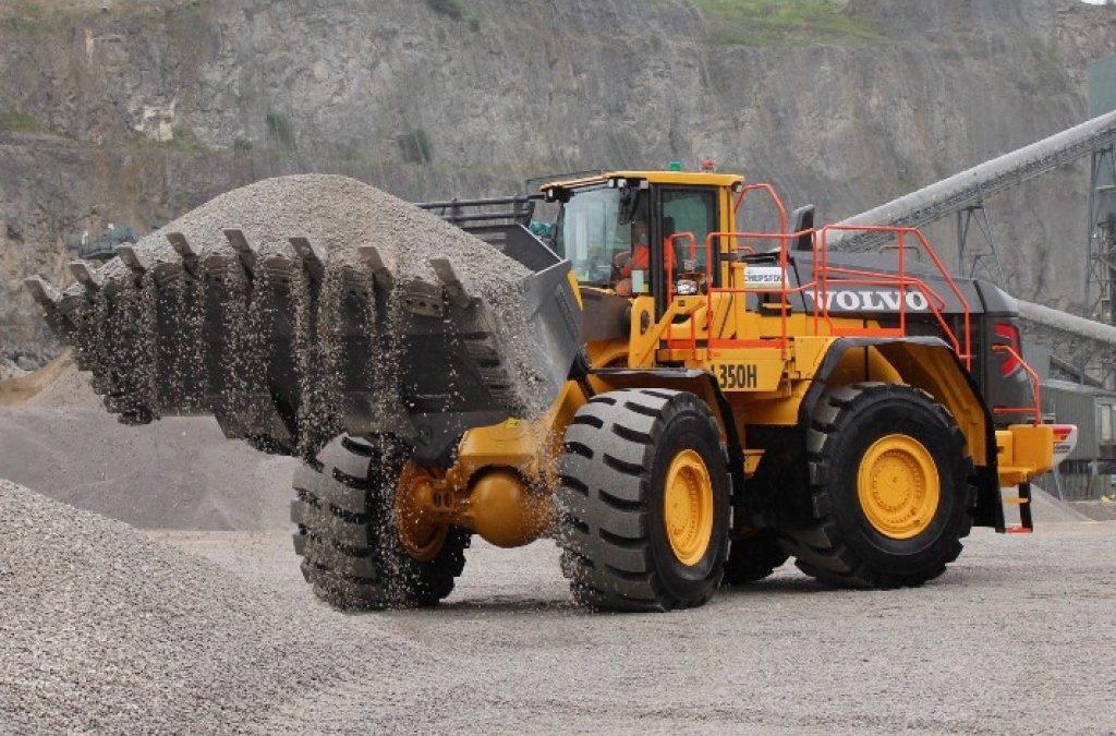 Chepstow's bulk Volvo order includes 51-tonne shovel