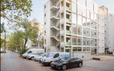 FAR Constructs Wohnregal Life/work Building in Berlin Using Precast Concrete Elements