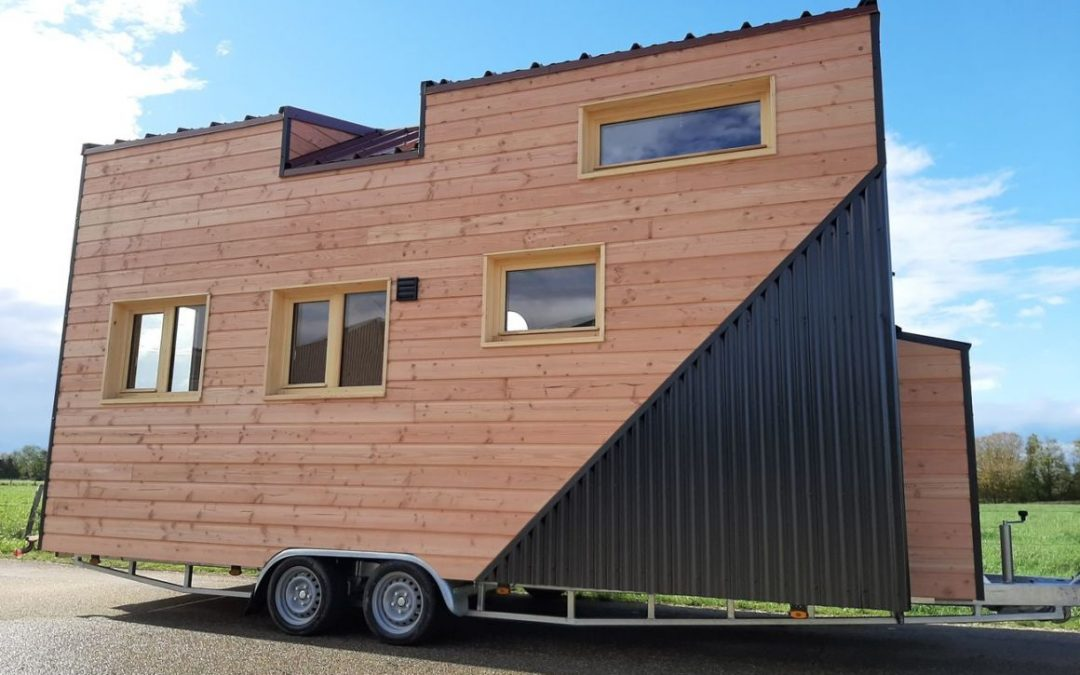 French Tiny House Fits a Family While Watching Its Weight