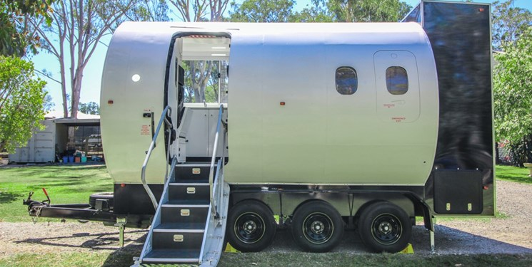 ساخت خانه با بدنه هواپیما