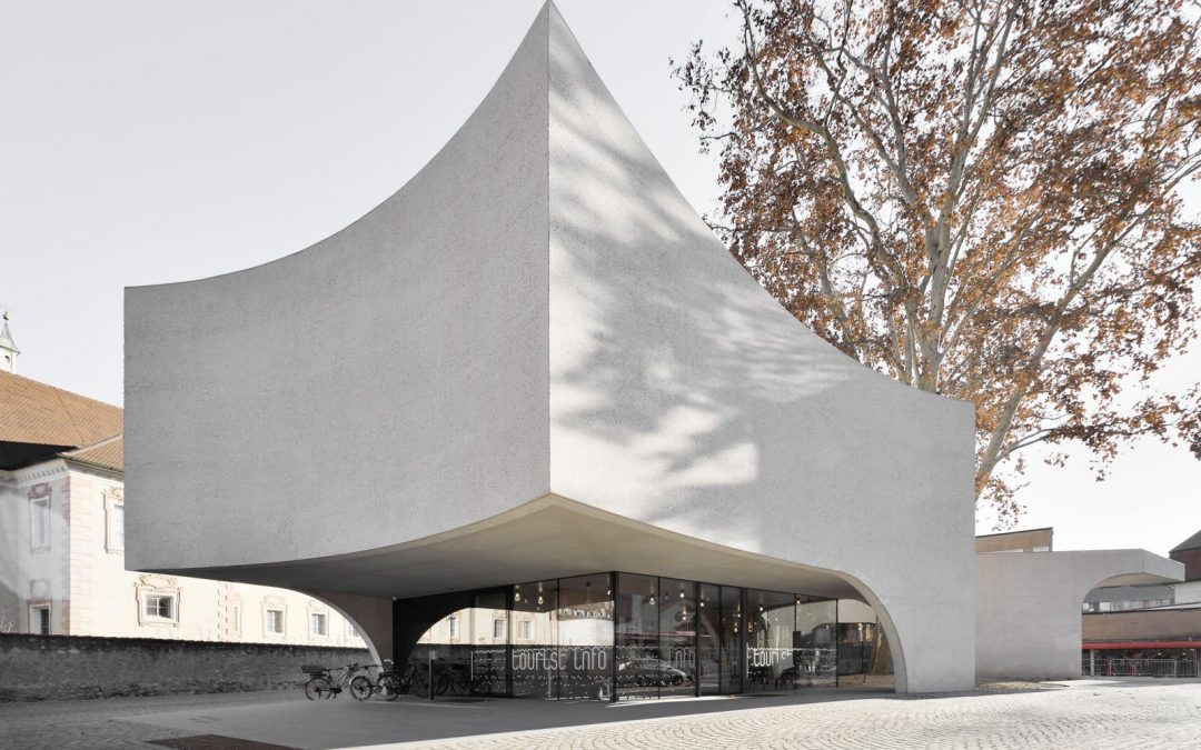 "MoDus Architects Designs ""Treehugging"" Concrete Tourist Information Office in Italy"