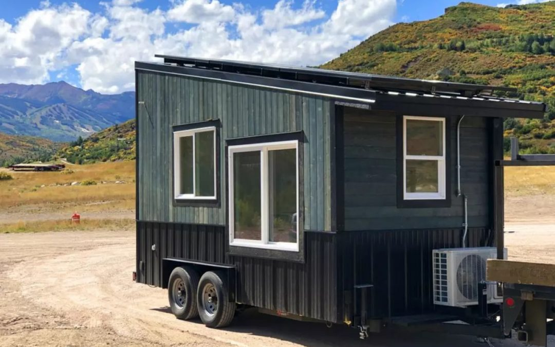 Off-grid Tiny House-style Carpool Kiosk is Just the Ticket