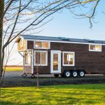 Light-flled Tiny House Offers a Relaxing Soak