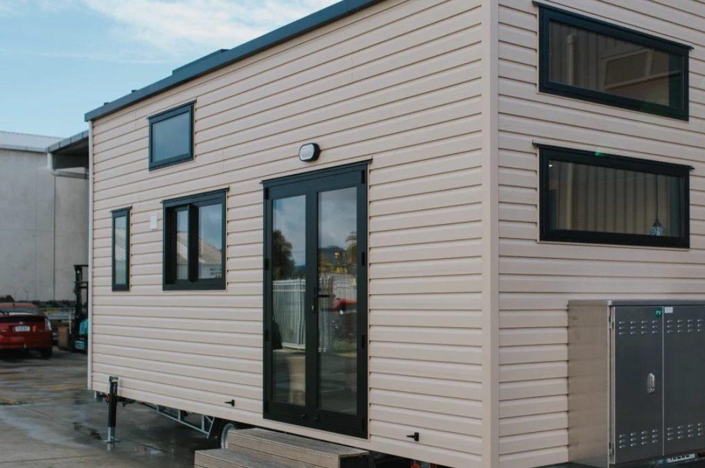 Off-grid Daisy Vera Tiny House Keeps it in the Family