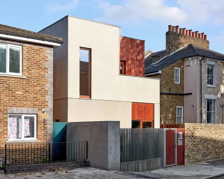 Textured in-situ Concrete Finishes Kennedytwaddle's SOBORO House in East london
