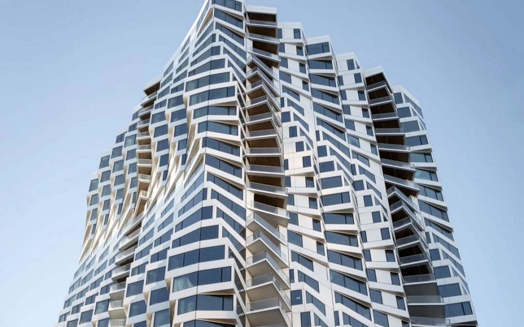 Twisting Tower Turns Heads in San Francisco