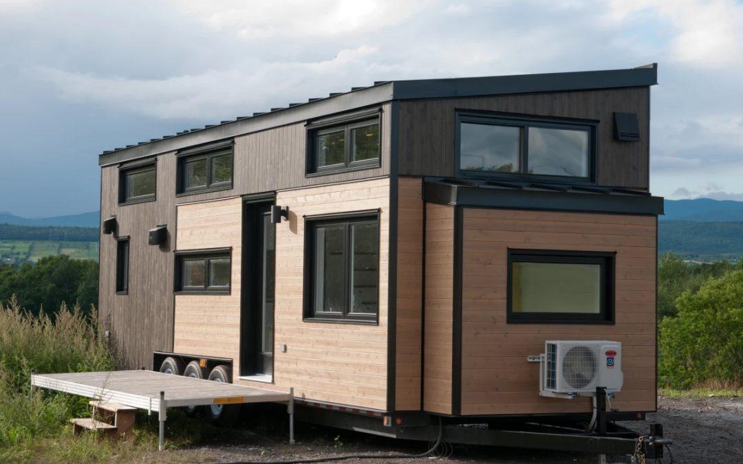 Minimaliste Shrinks Its Hardy Tiny House, Still Sleeps Four