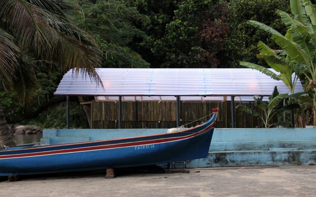 Estudio Flume Builds Fisherman's Kiosk With Translucent Roof on Brazil's Jaguanum Island