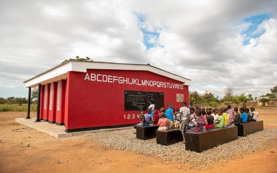The World's First 3D-printed School in Malawi,