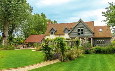 Concrete vs Clay Roof Tiles: Which is Right For You?